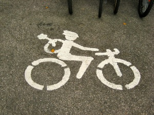 bike route marker; bicycle tourism in austria; bike travel;