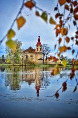elberadweg; two wheel travel; church