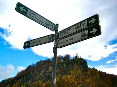 directional signage for bike tourists; elberadweg; elbe river trai; czech republic bicycle travel