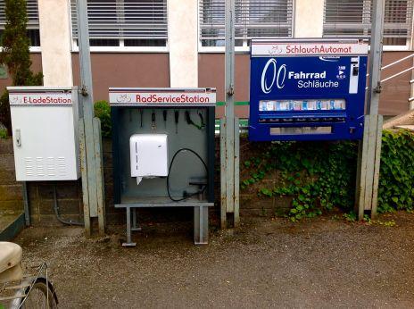 radpoint -self service bike repair station; bike travel; bicycle tourism in europe