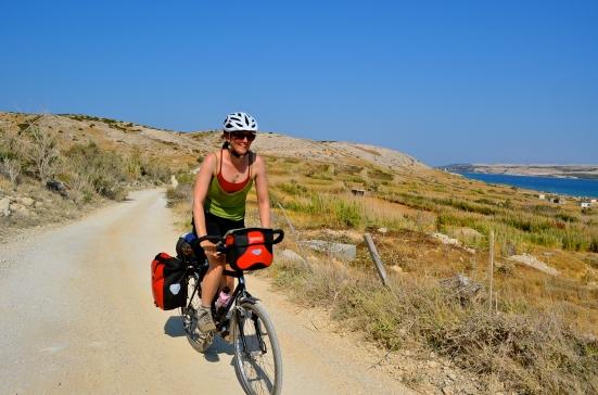 Cycling dirt roads / gravel roads; Two Wheel Travel